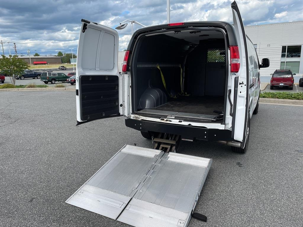 2017 Chevrolet Express 2500, Empty Cargo Van #1K5298 - photo 37