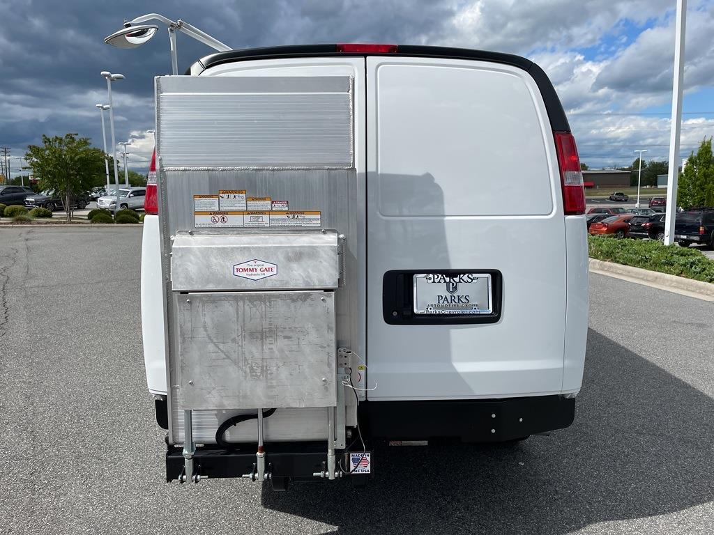2017 Chevrolet Express 2500, Empty Cargo Van #1K5298 - photo 7