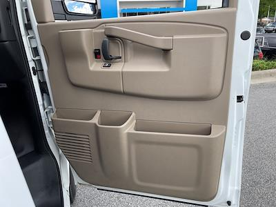 2017 Chevrolet Express 2500, Empty Cargo Van #1K5298 - photo 30