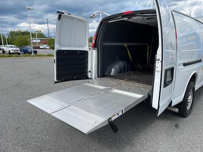 2017 Chevrolet Express 2500, Empty Cargo Van #1K5298 - photo 39
