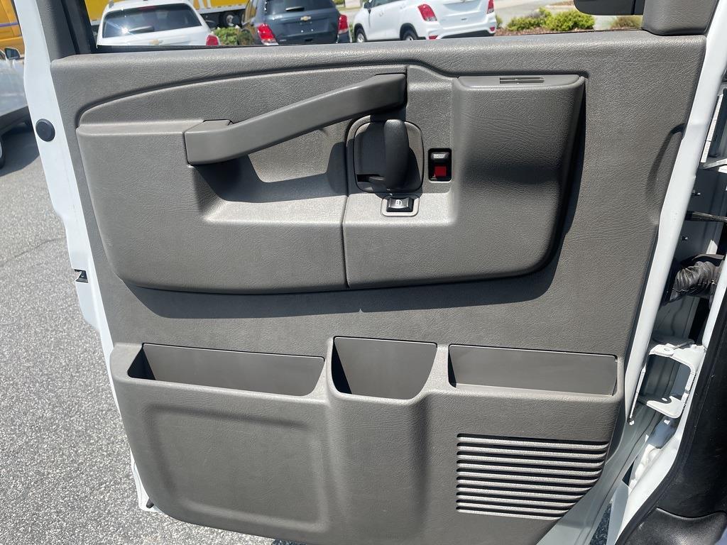 2019 Chevrolet Express 2500 4x2, Empty Cargo Van #1K5299 - photo 23