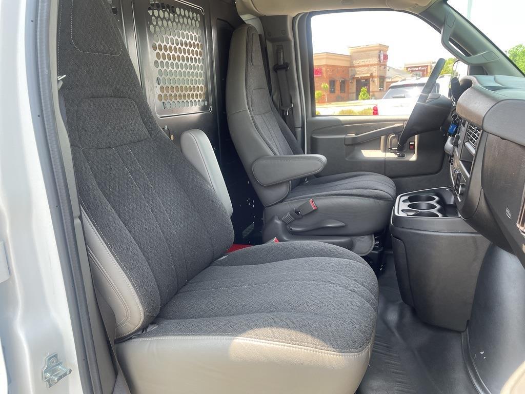 2019 Chevrolet Express 2500 4x2, Empty Cargo Van #1K5299 - photo 30