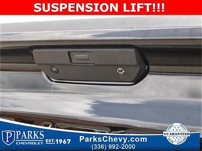 2020 Chevrolet Silverado 1500 Crew Cab 4x4, Pickup #1K5334 - photo 8