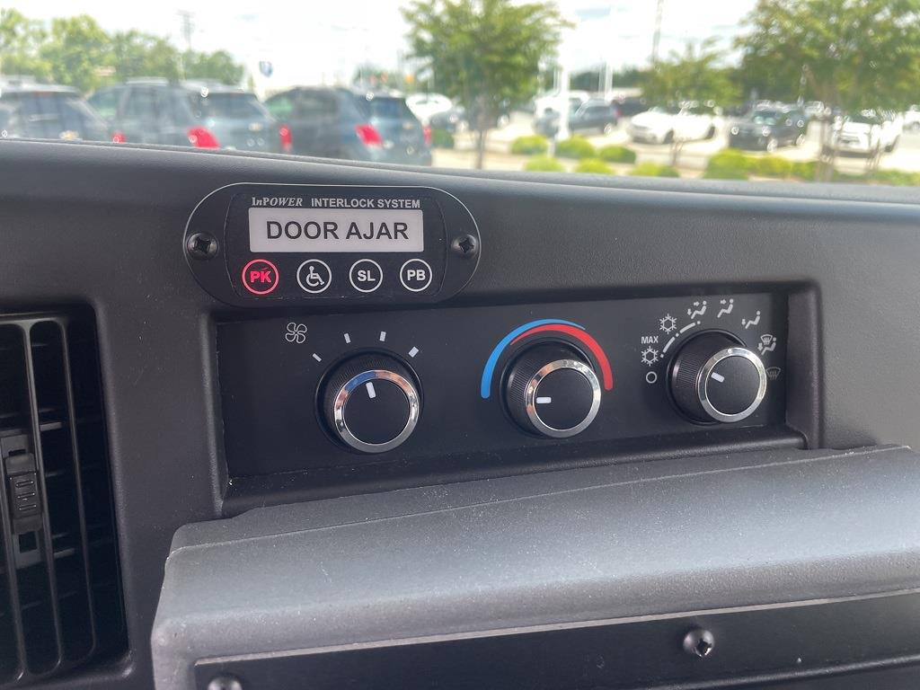 2014 Chevrolet Express 4500 DRW 4x2, Other/Specialty #1K5337 - photo 16