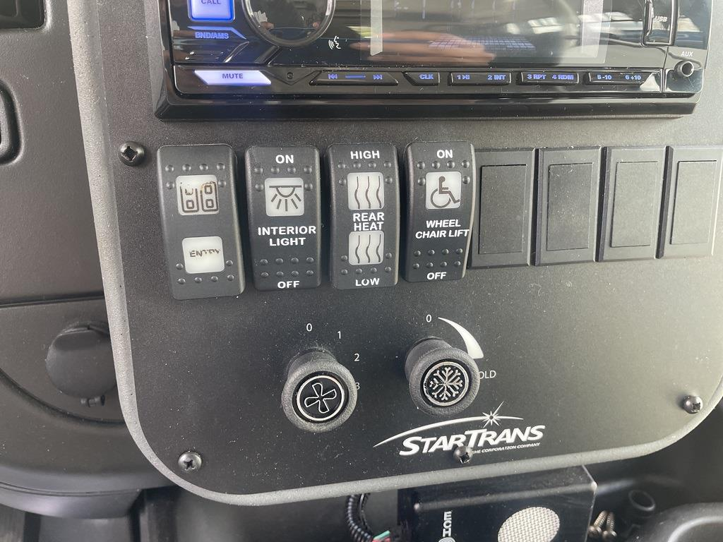 2014 Chevrolet Express 4500 DRW 4x2, Other/Specialty #1K5337 - photo 18