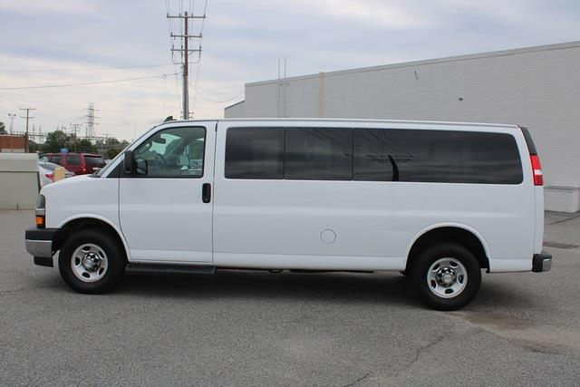 2020 Express 3500 4x2,  Passenger Wagon #1K5637 - photo 4