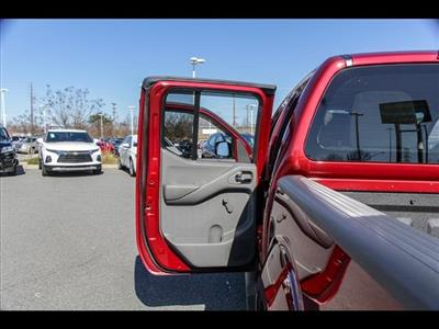2018 Frontier Crew Cab 4x4, Pickup #245370A - photo 30