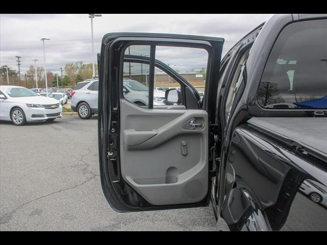 2018 Frontier Crew Cab 4x2, Pickup #265986A - photo 31