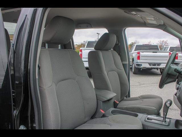 2018 Frontier Crew Cab 4x2, Pickup #265986A - photo 33