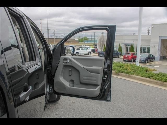 2018 Frontier Crew Cab 4x2, Pickup #265986A - photo 36