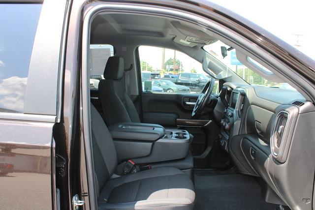 2019 Chevrolet Silverado 1500 Crew Cab 4x4, Pickup #301000A - photo 10
