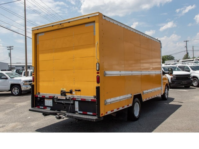 2015 Savana 3500 4x2,  Cutaway Van #5K3267 - photo 11