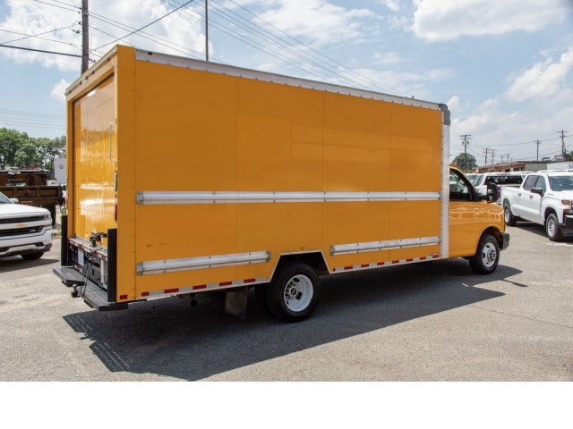 2015 Savana 3500 4x2,  Cutaway Van #5K3267 - photo 12