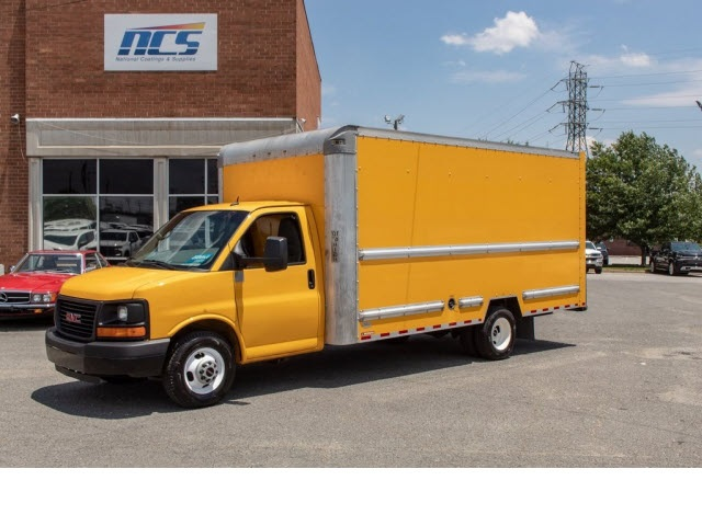 2015 Savana 3500 4x2,  Cutaway Van #5K3267 - photo 3
