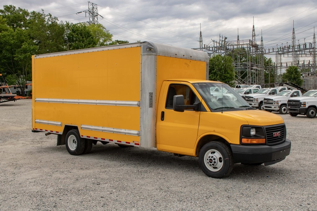 2015 Savana 3500 4x2, Cutaway Van #5K4203 - photo 10