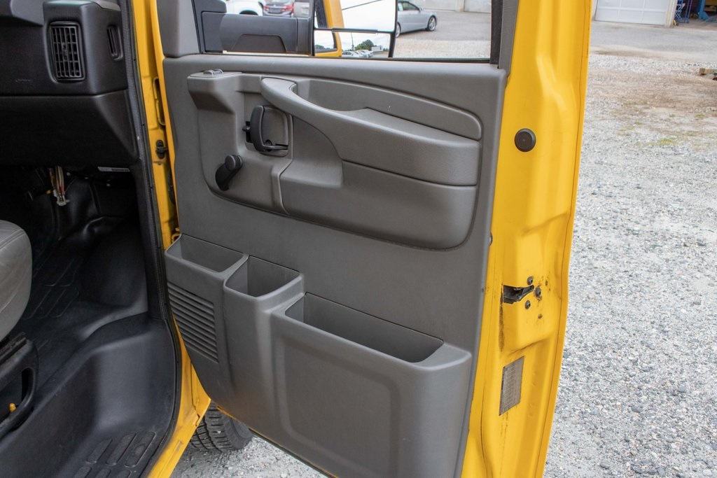 2015 Savana 3500 4x2, Cutaway Van #5K4203 - photo 29