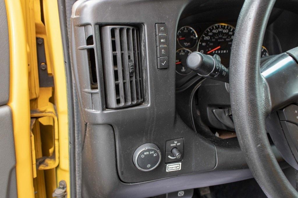2015 Savana 3500 4x2, Cutaway Van #5K4203 - photo 35