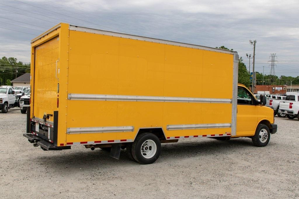 2015 Savana 3500 4x2, Cutaway Van #5K4203 - photo 8