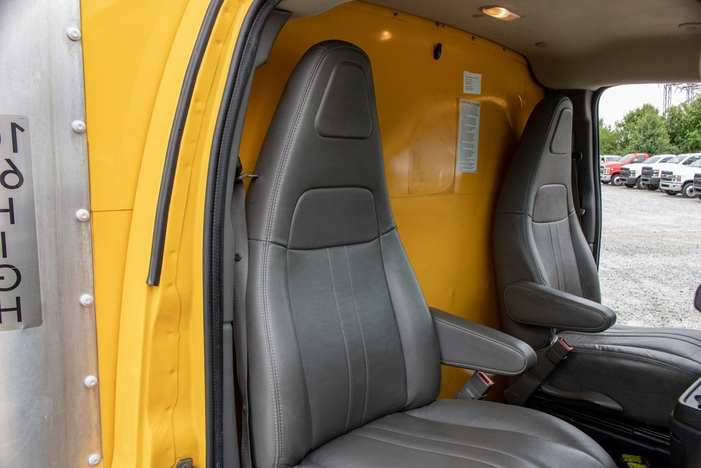 2016 Savana 3500 4x2, Cutaway Van #5K4204 - photo 26