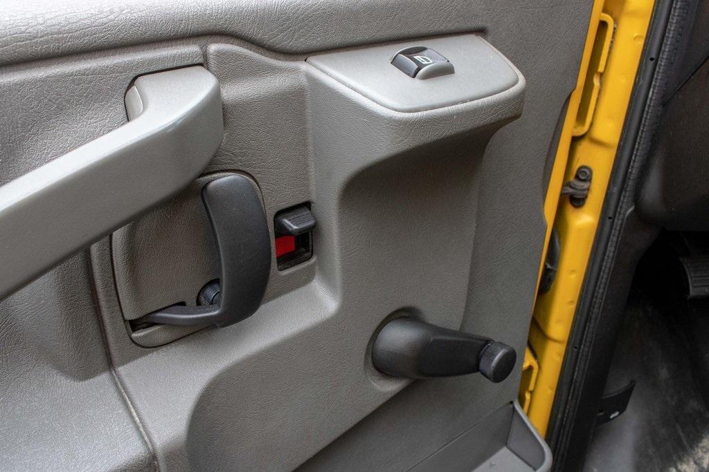 2016 Savana 3500 4x2, Cutaway Van #5K4204 - photo 32