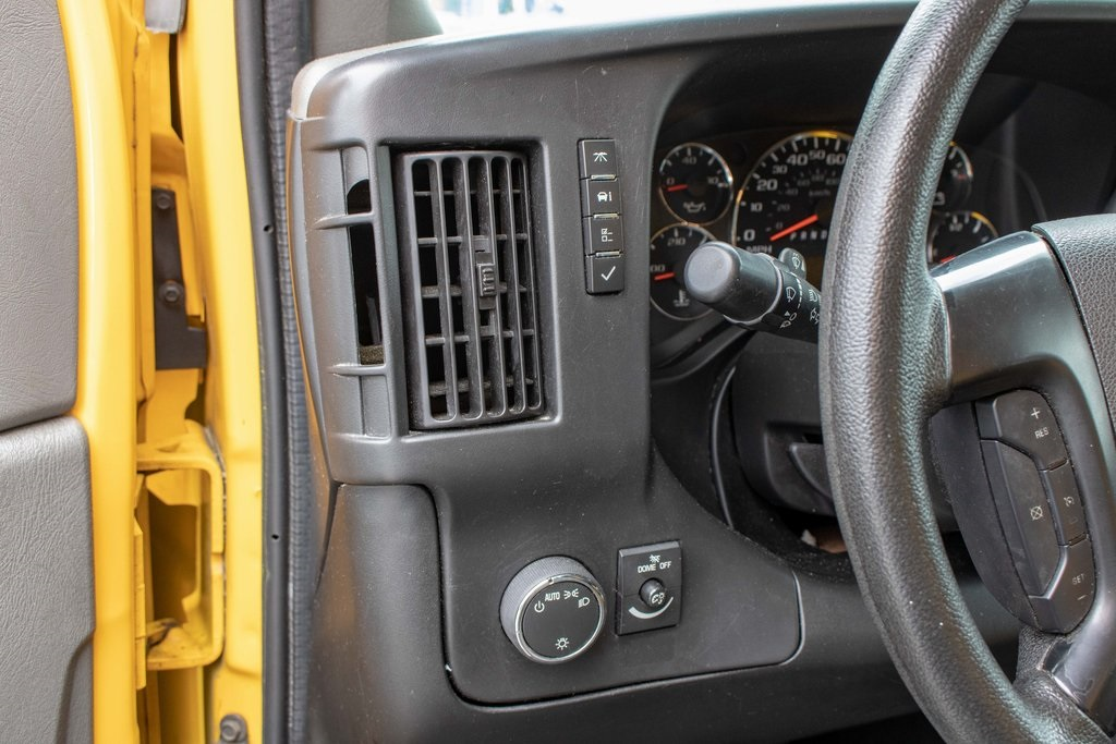 2016 Savana 3500 4x2, Cutaway Van #5K4204 - photo 34