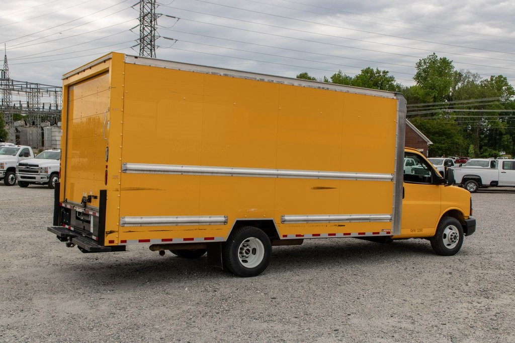 2016 Savana 3500 4x2, Cutaway Van #5K4204 - photo 8