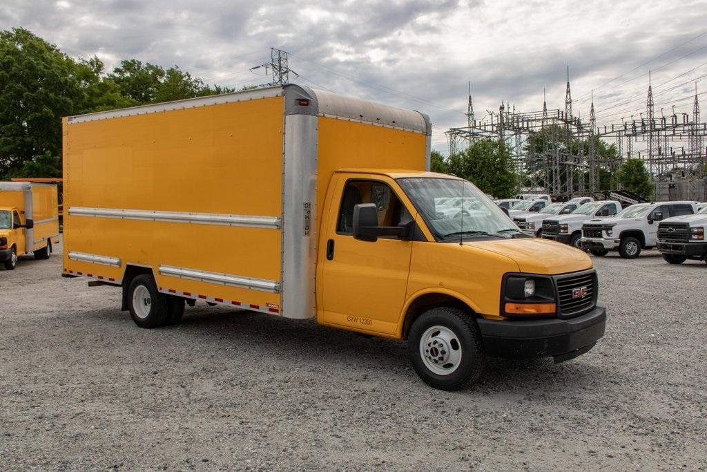 2015 Savana 3500 4x2, Cutaway Van #5K4205 - photo 10
