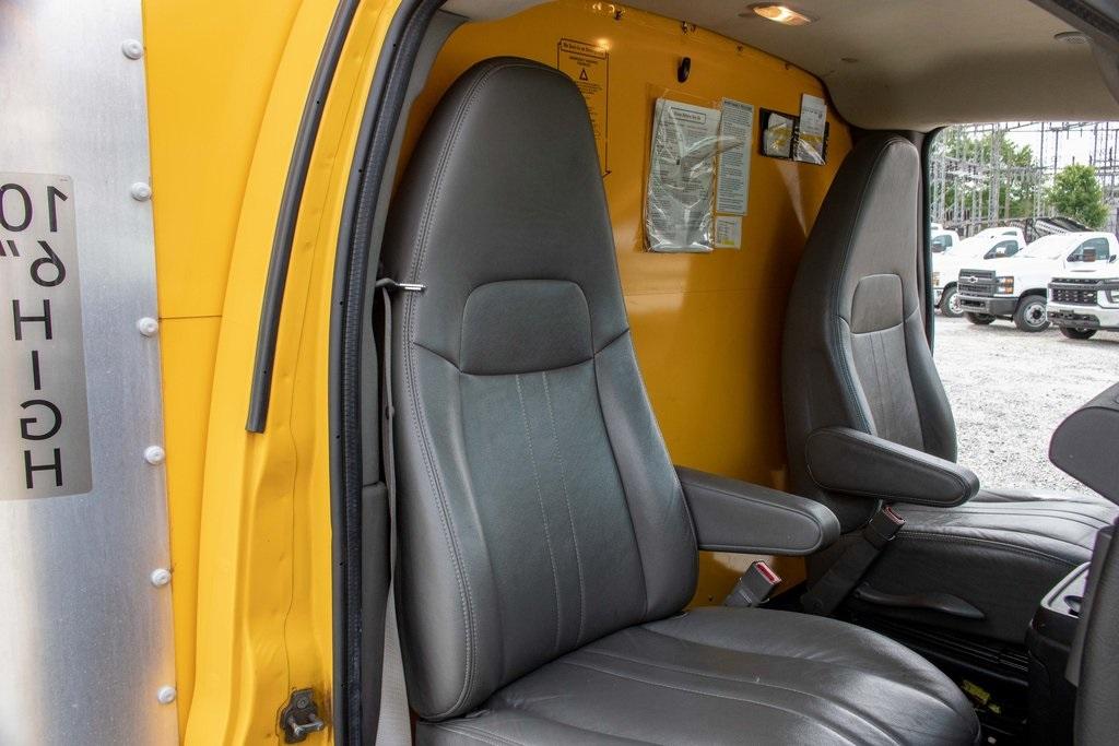 2015 Savana 3500 4x2, Cutaway Van #5K4205 - photo 27