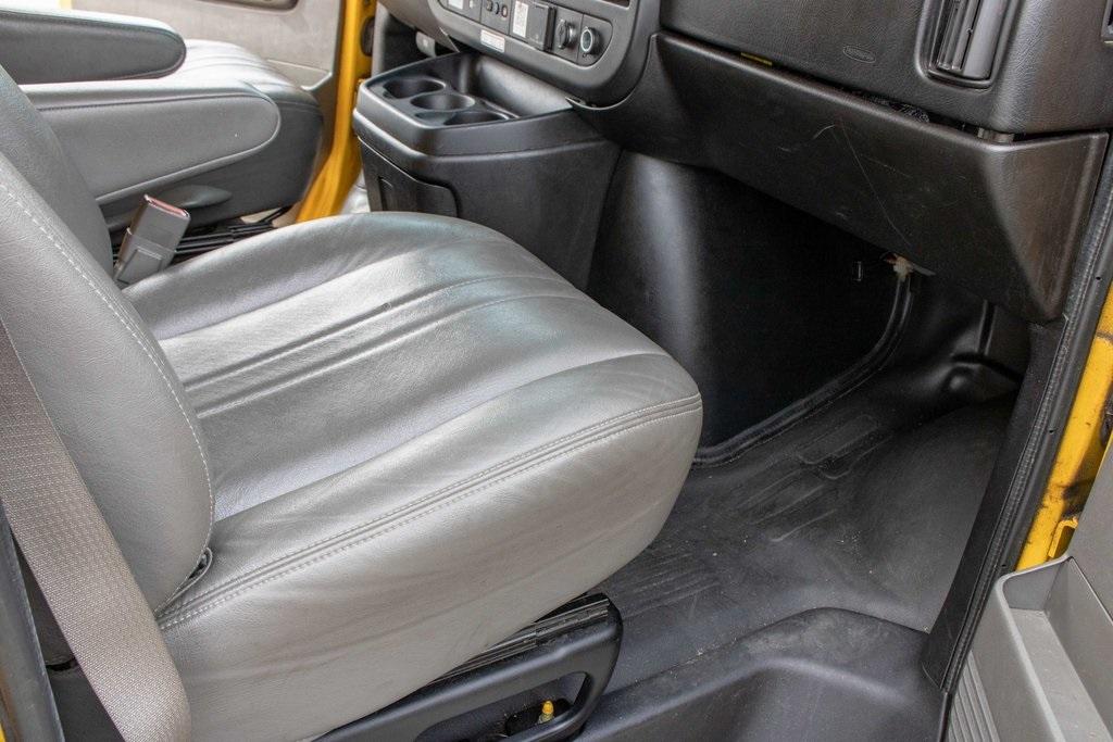 2015 Savana 3500 4x2, Cutaway Van #5K4205 - photo 28