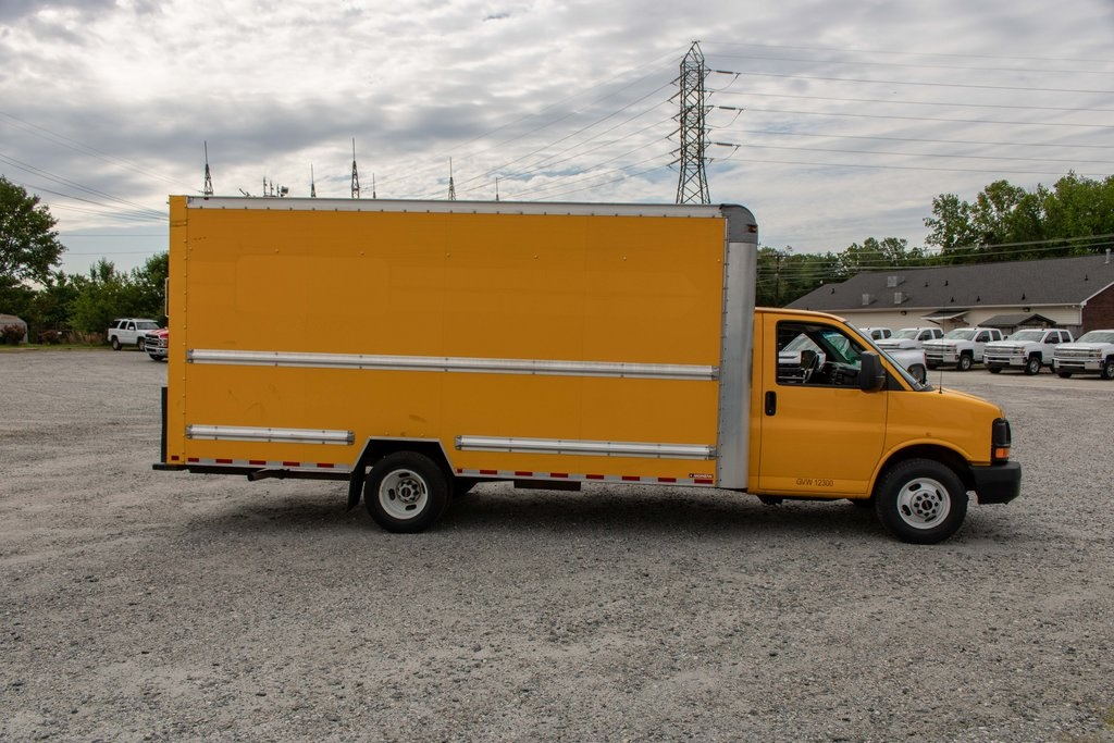 2015 Savana 3500 4x2, Cutaway Van #5K4205 - photo 9