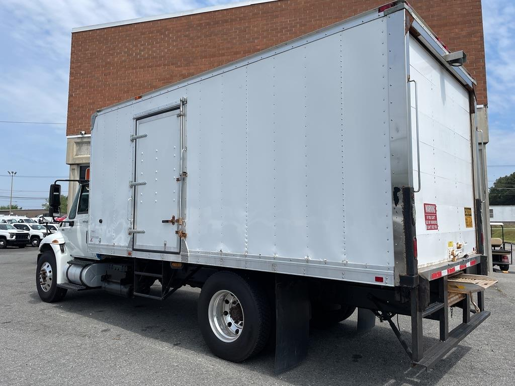 2013 International DuraStar 4300 4x2, Dry Freight #5K5143 - photo 2