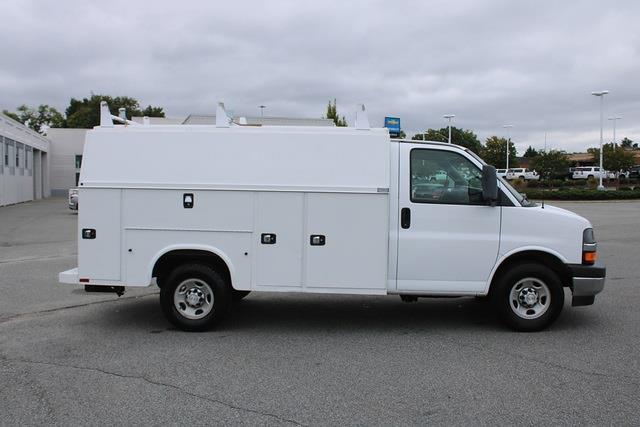 2017 Express 3500,  Service Utility Van #5K5665 - photo 6