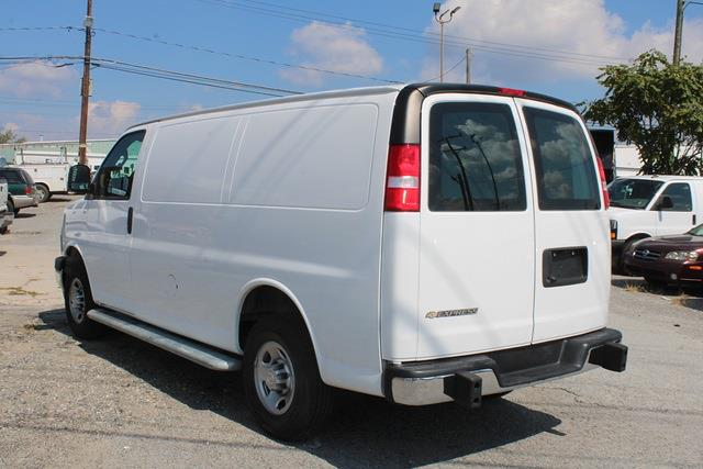 2020 Express 2500 4x2,  Empty Cargo Van #5K5669 - photo 3