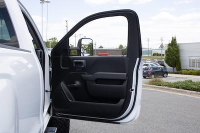 2017 Chevrolet Silverado 2500 Regular Cab 4x4, Pickup #FK0102A - photo 30