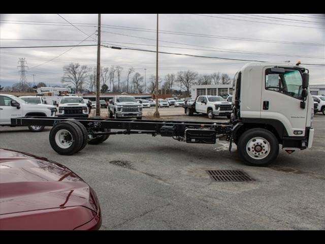 2020 Chevrolet LCF 6500XD Regular Cab DRW 4x2, Cab Chassis #FK0235 - photo 6