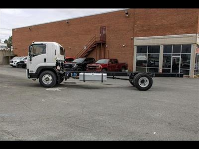 2020 Chevrolet LCF 6500XD Regular Cab DRW 4x2, Cab Chassis #FK0235 - photo 4