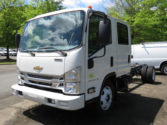 2018 Chevrolet LCF 5500HD Crew Cab 4x2, Cab Chassis #FK0294X - photo 23