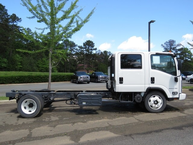 2018 Chevrolet LCF 5500HD Crew Cab 4x2, Cab Chassis #FK0294X - photo 26