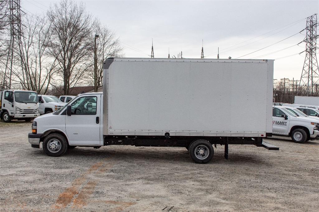 2019 Express 3500 4x2,  Supreme Cutaway Van #FK0538X - photo 3