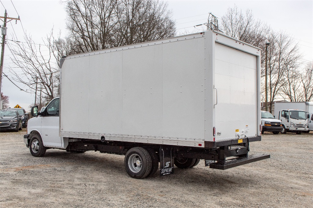 2019 Express 3500 4x2,  Supreme Cutaway Van #FK0538X - photo 2