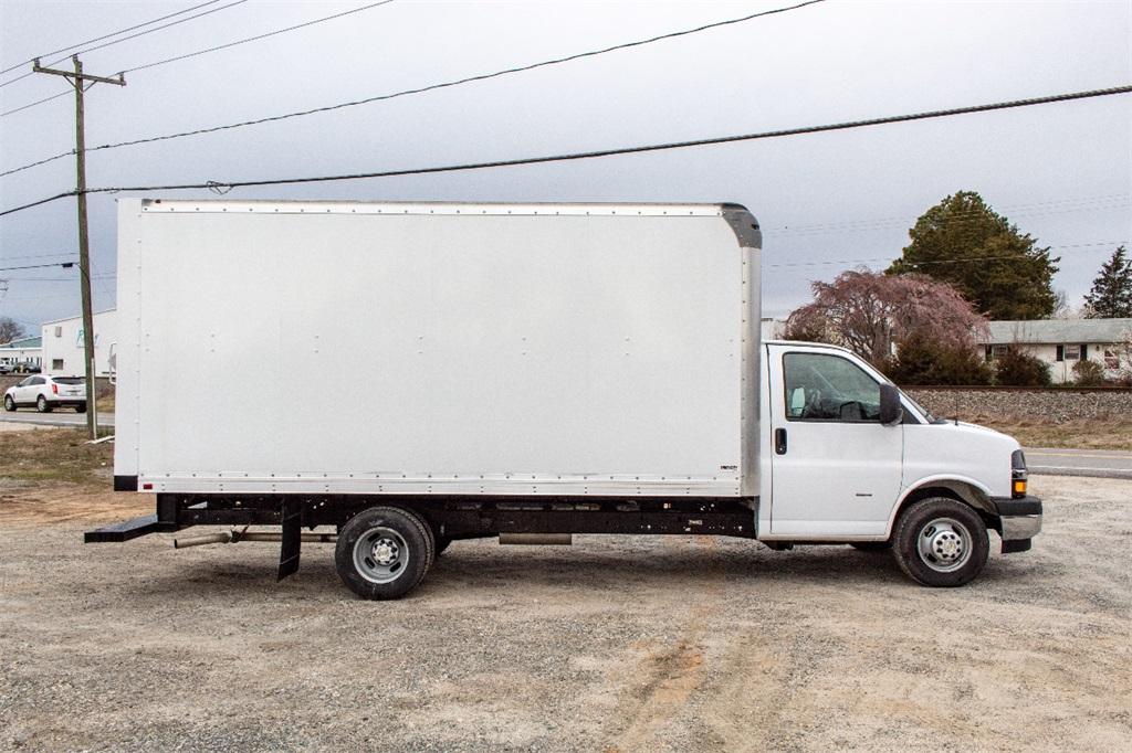 2019 Express 3500 4x2,  Supreme Cutaway Van #FK0538X - photo 9