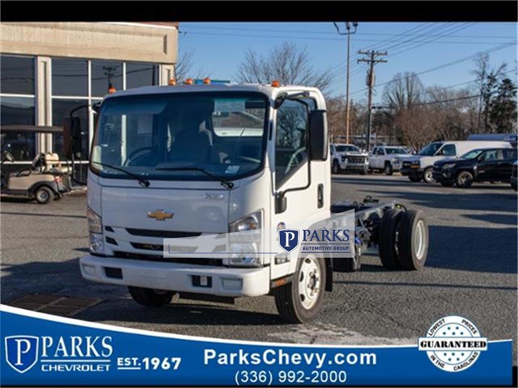 2020 LCF 5500XD Regular Cab DRW 4x2,  PJ's Truck Bodies Landscape Dump #FK0700 - photo 1