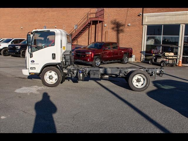 2020 LCF 5500XD Regular Cab DRW 4x2,  PJ's Truck Bodies Landscape Dump #FK0700 - photo 4
