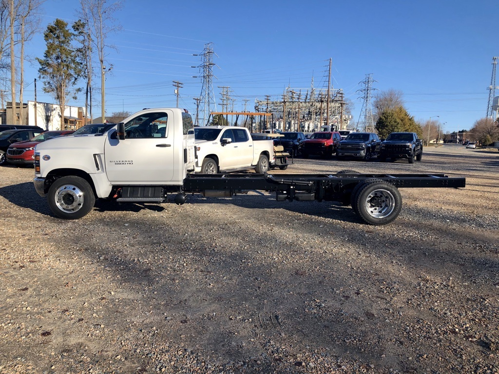 2019 Chevrolet Silverado 6500 Regular Cab DRW 4x2, Cab Chassis #FK0721 - photo 3