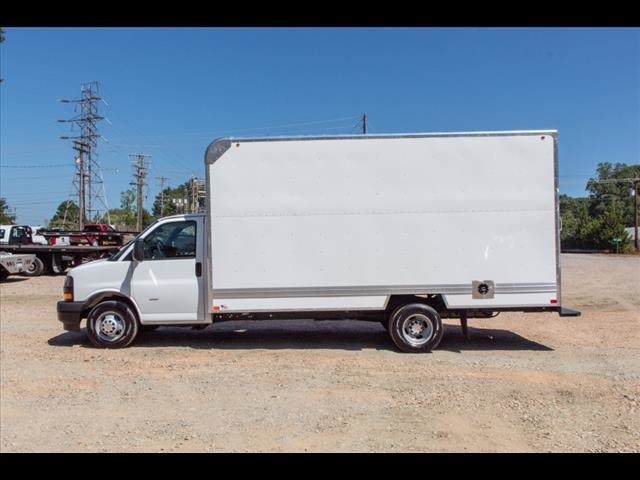 2019 Express 3500 4x2,  Bay Bridge Cutaway Van #FK15427 - photo 3
