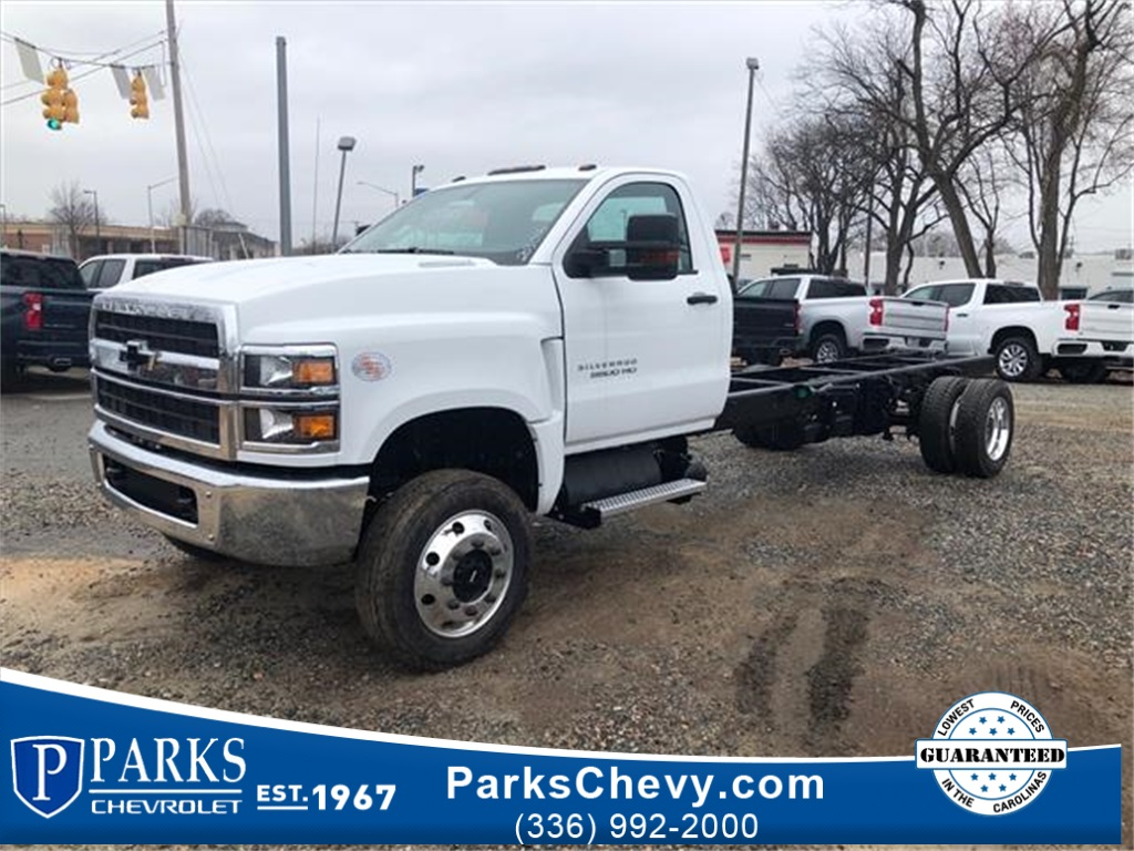2019 Chevrolet Silverado 5500 Regular Cab DRW 4x4, Cab Chassis #FK3016 - photo 1