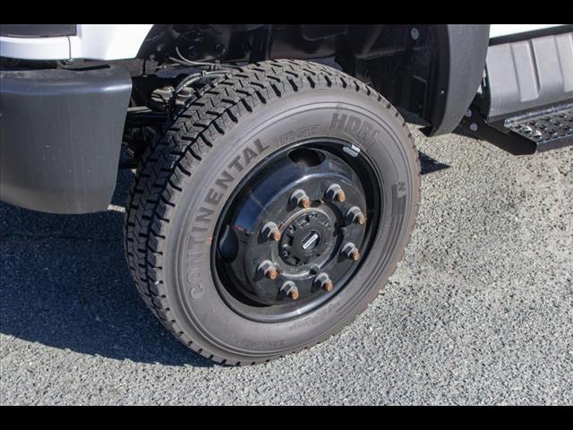 2020 Chevrolet Silverado 5500 Regular Cab DRW 4x4, Mechanics Body #FK3367 - photo 16