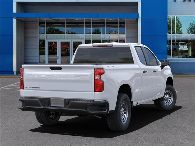 2021 Chevrolet Silverado 1500 Double Cab 4x4, Pickup #FK36100 - photo 2
