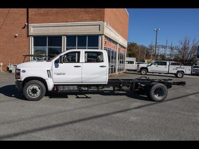 2020 Chevrolet Silverado 5500 Crew Cab DRW 4x2, Cab Chassis #FK3968 - photo 4