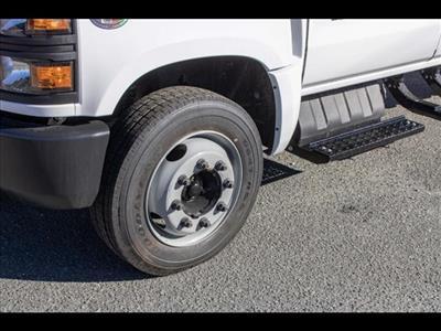 2020 Chevrolet Silverado 5500 Crew Cab DRW 4x2, Cab Chassis #FK3968 - photo 10